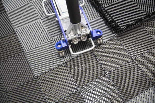 garage flooring tiles Jacksonville grey black